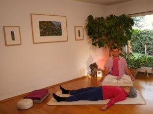 Yoga Nidra nach Swami Rama mit Santosha Yoga Michael Nickel im online-livestream via Zoom monatlich